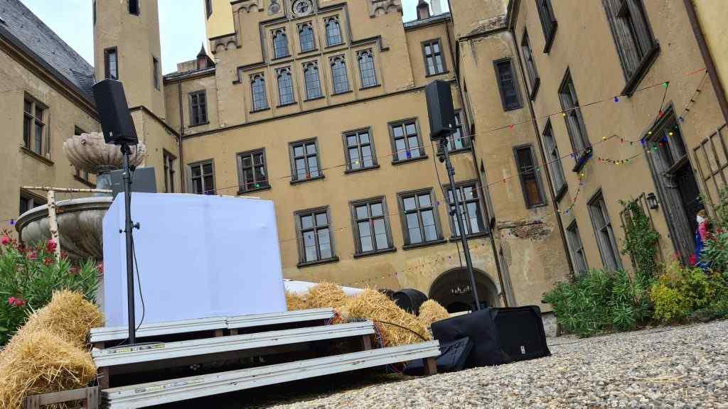 Technikaufbau auf Schloss Arenfels