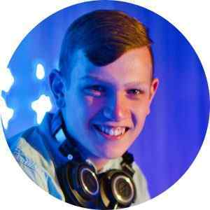 DJ Julian Engels